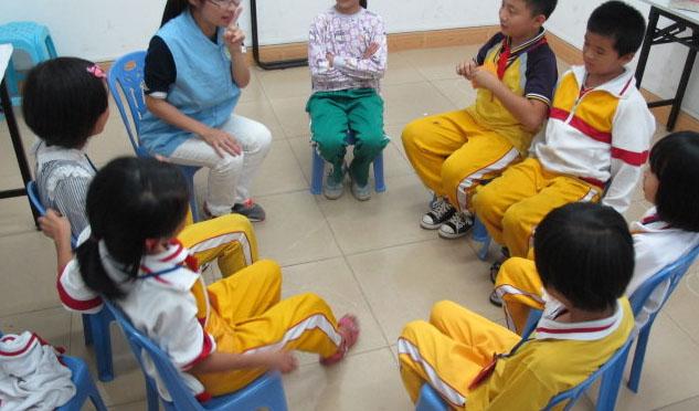 学校社会工作者如何应对融合教育