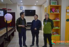 重庆市民政局社会工作督导室总督导来重庆城市管理职业学院交流工作